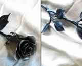 Kovácsolt rózsa egy anyagból