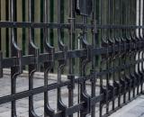 Modern kovácsolt kapu (Szentendre)